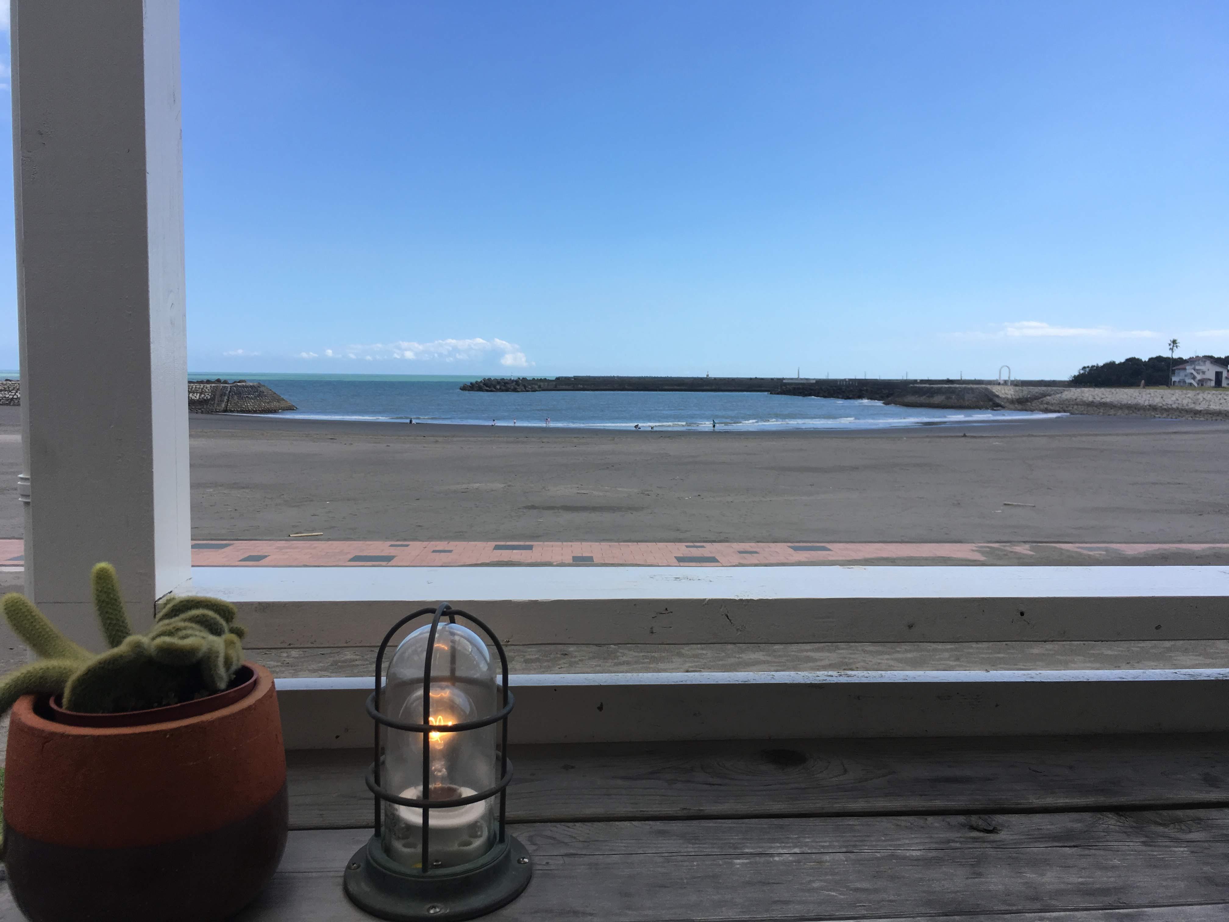サンビーチ一ツ葉のカフェより